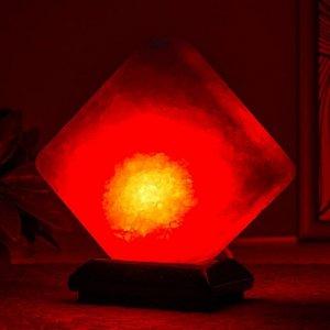 """Соляной светильник  """"Кубик"""" LED (диод цветной) USB белая соль 10х9х7 см"""