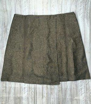 Юбка-шорты Старая цена 695 рублей! Юбка-шорты с молнией позади. L (соответствует 46 размеру) - ПО талии 36 см. Длина изделия 40 см.