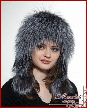 Шапка Лера сереброартикул: 1583; мех: Лиса; подклад: Трикотажная основа; размеры: 55 - 60 Эксклюзивным изделием является шапочка «Лера»- это отличный вариант для молодой представительнице прекрасного