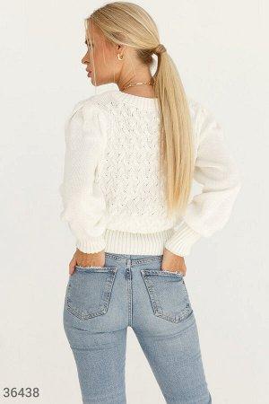 Белый джемпер с ажурным плетением
