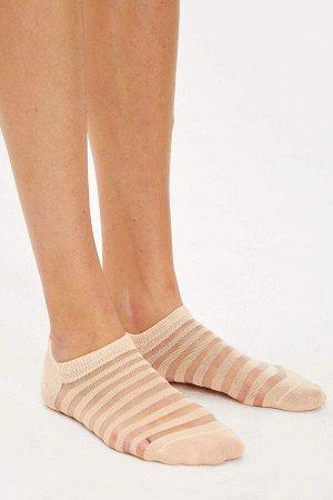 Носки Размеры модели:  рост: 1,79 грудь: 83 талия: 62 бедра: 88 Надет размер: STD Poliamid 25%, Хлопок 75%