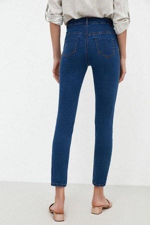 Брюки джинсовые жен. TOMAT темно-голубой