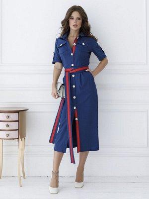 Синее платье-футляр на пуговицах