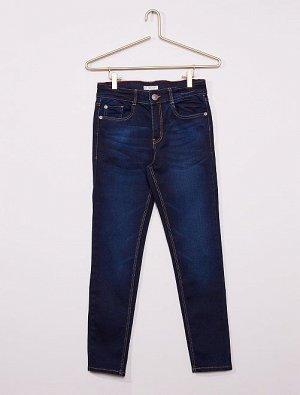 Облегающие джинсы