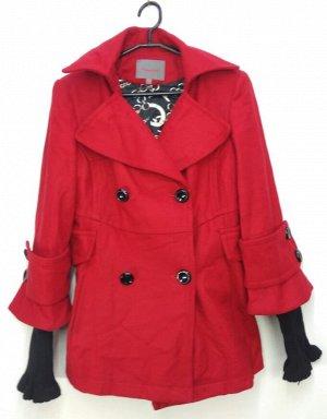 Пальто Старая цена 699 рублей! Пальто укороченное женское демисезонное.  Состав 84% polyester 16 %Cashmere Цвет : Красный Соответствие р-ров прописано самостоятельно , размеры на этикетке могут отлича