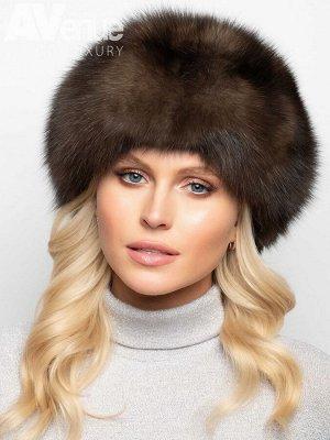 Шапка Роскошный базовый зимний женский берет из драгоценного меха соболя. Такая зимняя шапка идеально подойдёт женщинам с любым овалом лица. Благодаря красоте высококачественного меха, отсутствию деко