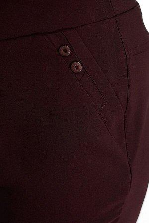 Брюки-2635 Модель брюк: Классические; Материал: Хлопок стрейч;   Фасон: Брюки Брюки лайт Рикардо бордовые Брюки-стрейч прямого силуэта выполнены из мягкой ткани. По бокам и сзади декоративные карманы