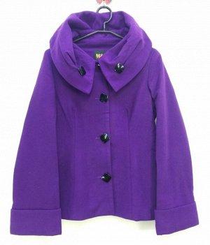 Пальто Старая цена 699 рублей! Пальто  укороченное женское демисезонное с капюшоном. Цвет : фиолетовый Для того что бы определить свой р-р нужно к исходному прибавить 4. Например 38+4=42 российский р-