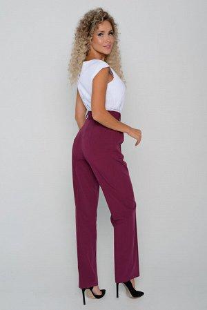 Брюки Длина брюк измеряется по боковому шву от линии верха до низа изделия.  Для всех предлагаемых размеров (42 - 52) длина брюк одинкова и составляет 110 см. Ткань: плательно-костюмного ассортимента,