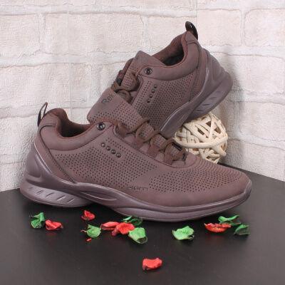 Спортивная и повседневная обувь из эко-кожи от 290 рублей
