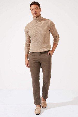 брюки Размеры модели: рост: 1,89 грудь: 100 талия: 81 бедра: 97 Надет размер: размер 30 - рост 30 Elastan 1%, Полиэстер 31%, Хлопок 68%