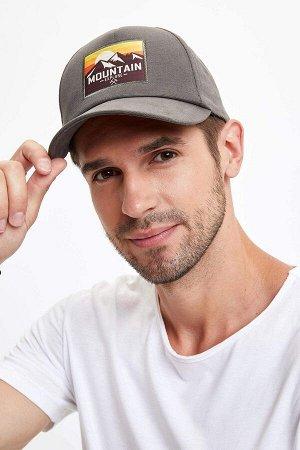 шапка Размеры модели: рост: 1,89 грудь: 100 талия: 74 бедра: 97 Надет размер: STD  Хлопок 100%