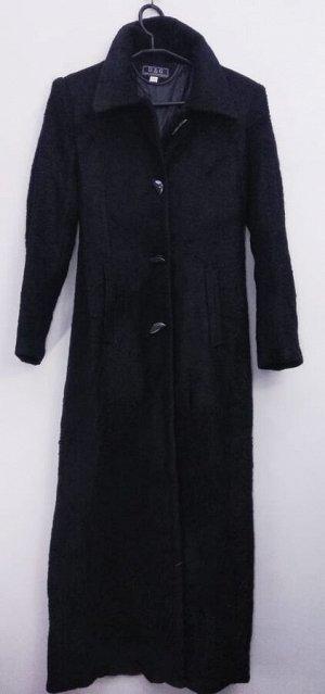Пальто Пальто длинное женское демисезонное Цвет: черный застежка пуговицы.