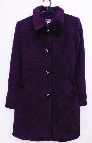 Пальто Пальто женское демисезонное Цвет: винный застежка пуговицы. Соответствие р-ров прописано самостоятельно , размеры на этикетке могут отличаться.