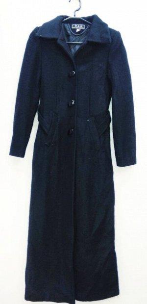 Пальто Пальто длинное женское демисезонное Цвет: винный застежка пуговицы. Размеры прописаны самостоятельно размер на этикетке может отличаться