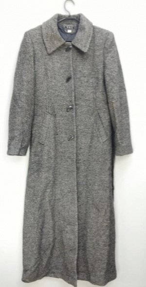 Пальто Пальто длинное женское демисезонное. Цвет: серый Застежка пуговицы.