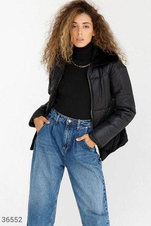 Женственная черная куртка с мехом