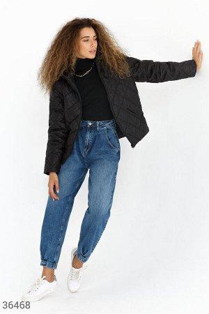 Лаконичная стеганая куртка