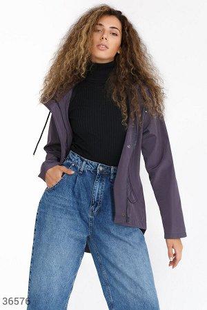 Легкая куртка с асимметричным кроем