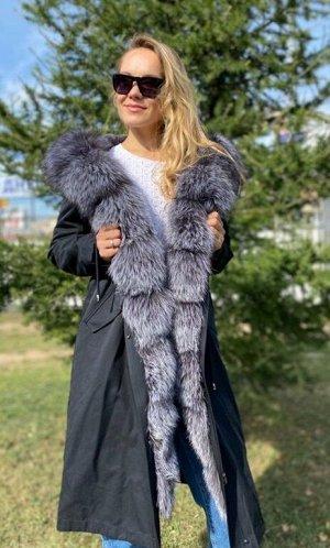 Парка Шикарная парка с мехом чернобурки ,внутри утеплены мехом чернобурки,внутри утеплена мехом стриженгог бобрика, зашитый в подкладе.Качество люкс. Длина 110 см. Идёт в размер.
