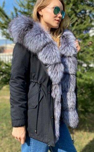 Парка Шикарная парка с мехом чернобурки ,внутри утеплены мехом чернобурки,внутри утеплена мехом стриженгог бобрика, зашитый в подкладе.Качество люкс. Длина 75 см. Идёт в размер.