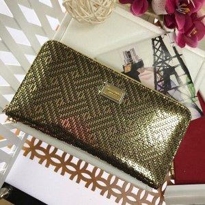 Стильный женский полноразмерный кошелек Last_Follo из натуральной кожи золотистого цвета.
