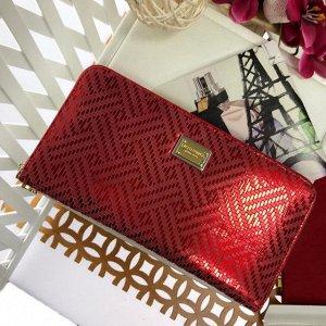 Стильный женский полноразмерный кошелек Last_Follo из натуральной кожи красно-клубничного цвета.