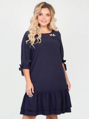 Платье Платье А-образного силуэта, выполнено из костюмной ткани . - вырез горловины круглый на внутренней обтачке - рукава втачные, длиной 3/4, собраны на резинку - низ ровный, дополнен притачным двой