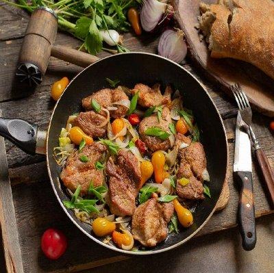 Замороженное мясо. Субпродукты, свинина. Отличные рёбрышки