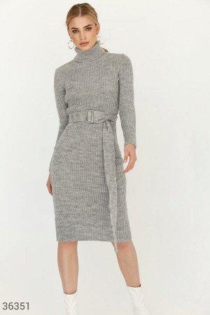 Платье-миди из вязаного трикотажа