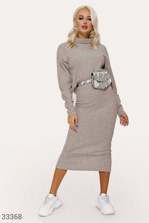 Лаконичный женский костюм
