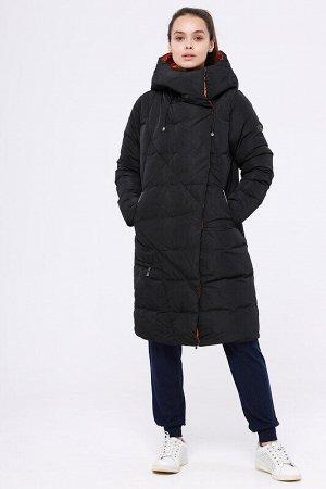 Пальто Состав: 68% ПЭ, 32% нейлон.  Цвет: Черный/оранжевый.  Модное зимнее пальто прямого силуэта. Цельнокроеный капюшон, ассиметричная застежка с потайными кнопками и карманы на молнии –интересное фу