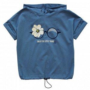 Блузка Модная блузка для девушек. Стильный принт. Капюшон. Украшена люверсами. Цвет как на фото. Материал: 95% хлопок, 5% эластан, кулирка с лайкрой Размеры: 36, 38, 40, 42 Цвет - Серо-голубой