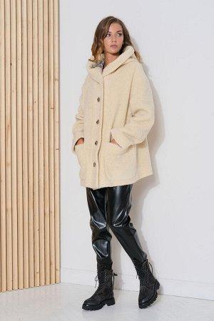"""Пальто Must-have осенне-зимнего сезона - укороченное пальто из ворсового полотна с эффектом меха """"кёрли"""". Эта модель выглядит очень сдержанно и в тоже время оригинально. Свободный покрой, заниженная л"""