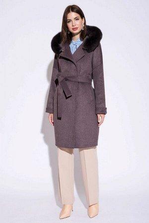 Пальто утепленное женское