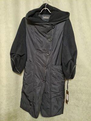 Пальто Пальто на синтепоне, рукав 3/4.  Пекин. Цвет черный.  Размер L (на русский 44-46) Приталенный силуэт.