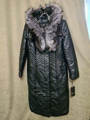 Пальто Пальто Пекин. Зима, экокожа, наполнитель верблюжья шерсть. С капюшоном, воротник чернобурка. Цвет черный.
