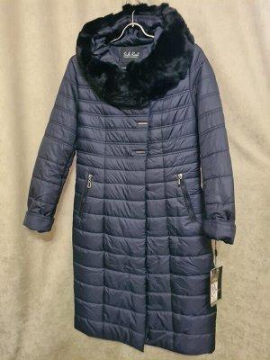 Пальто Пальто Пекин. Зима, наполнитель верблюжья шерсть. С капюшоном, воротник стриженный кролик. Цвет темно синий.