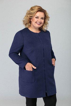 Пальто Пальто Novella Sharm 3577  Сезон: Осень-Зима Рост: 170  Классические формы триумфально возвращаются в моду в этом сезоне. Пальто полуприлегающего силуэта, классического покроя, длинной до коле