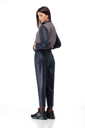 Костюм Костюм ANELLI 902  Состав: Блуза: Вискоза-68%; ПЭ-28%; Эластан-4%; Брюки: ПЭ-95%; Эластан-5%; Сезон: Осень-Зима Рост: 164  Базовый комплект состоит из брюк и блузона.Выполнен из ткани костюмно