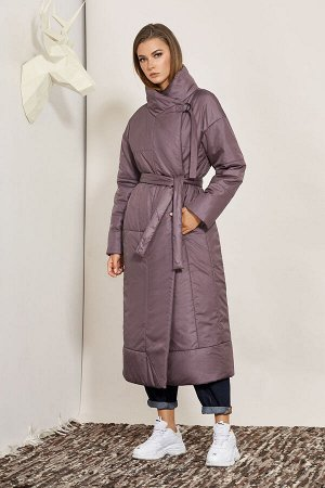 Пальто Пальто BUTER 2085  Состав ткани: ПЭ-100%;  Рост: 164 см.  Пальто на утеплителе, с застежкой на кнопки и поясом. Силуэт пальто прямой со спущенным плечом, с одношовным рукавом. Полочка с рельеф