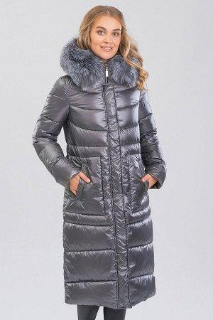 Серый Пальто зимнее на синтепухе(синтетический пух). Силуэт прямой, умеренного объема. Эта модель подойдет любителям классики и одновременно практичности, а благодаря длине  она будет лучшим вариантом