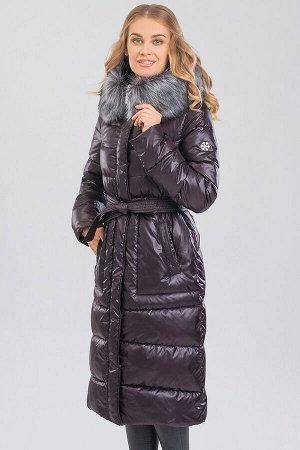 Шоколад Пальто зимнее на синтепухе(синтетический пух). Силуэт прямой, умеренного объема. Эта модель подойдет любителям классики и одновременно практичности, а благодаря длине  она будет лучшим вариант