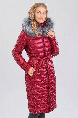 Винный Стеганое пальто с воротником-стойка идеально подходит для тех, кто не очень любит шарфы. Такая модель не только прекрасно защищает шею от холода, но и кардинально преображает образ, делая его с
