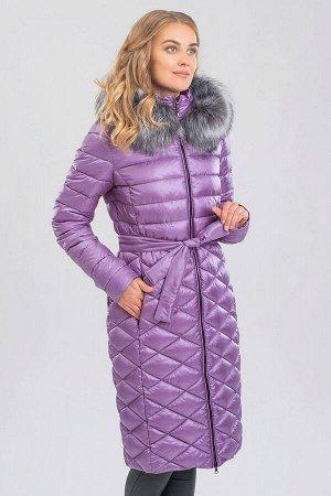 Лаванда Стеганое пальто с воротником-стойка идеально подходит для тех, кто не очень любит шарфы. Такая модель не только прекрасно защищает шею от холода, но и кардинально преображает образ, делая его