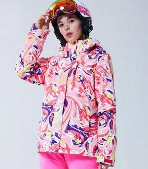 Куртка Куртка из мембранной ткани Taslan с современной пропиткой, прочная и износостойкая и не жесткая. Плотная и легкая, она способствует увеличенному воздухообмену, водоотводу. Ткань устойчива к раз