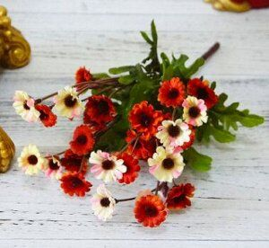 Букет из мелких хризантем красный