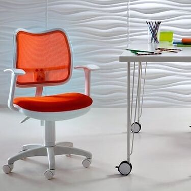 Новое поступление. Комоды, столы, шкафы, кухни — Детские кресла из экологичного пластика. В наличии — Стулья