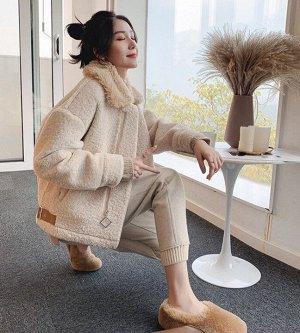 Шубка Шубы из эко-меха стали настоящим трендом нового сезона, являясь хорошей альтернативой натуральному меху, не менее теплые и смотрятся очень стильно Размеры стандартные