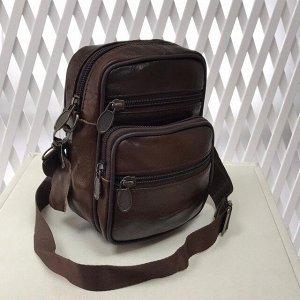 Модная мужская сумка Ispirit из мягкой натуральной кожи с ремнем через плечо шоколадного цвета.
